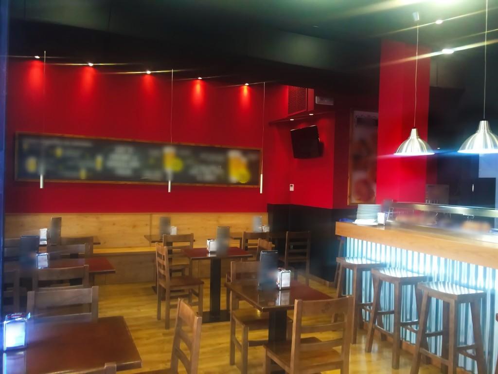 Bar restaurante en Canovas. Chaflán privilegiado.